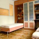 Вертикальная кровать трансформер в шкафу