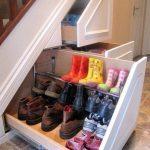 ящики для обуви под лестницей