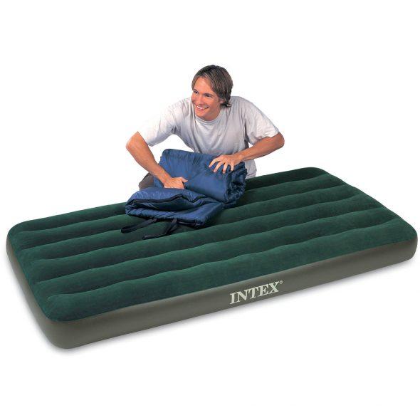 Зеленый матрас-кровать