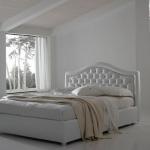 Функциональная кровать с подъемным механизмом Лаура из экокожи