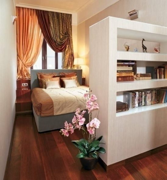 Интерьер длинной узкой комнаты