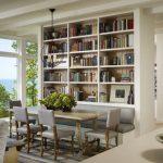 Книжный шкаф - перегородка в интерьере дома