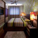 Красивый дизайн узкой спальни