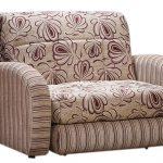 Легко раскладывается кресло-кровать