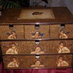 Роспись — это очень оригинальный способ реставрации мебели