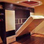 Шкаф-кровать трансформер в фиолетовом цветы
