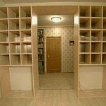 Шкаф-перегородка между коридором и комнатой