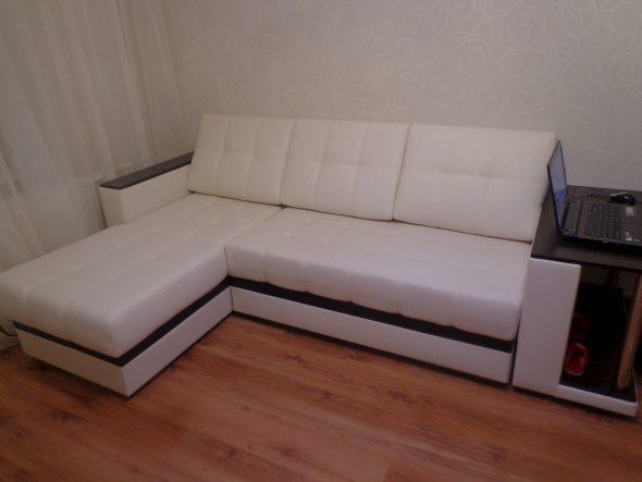 Угловой диван из экокожи