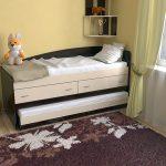 Выдвижной двойной шкаф-кровать