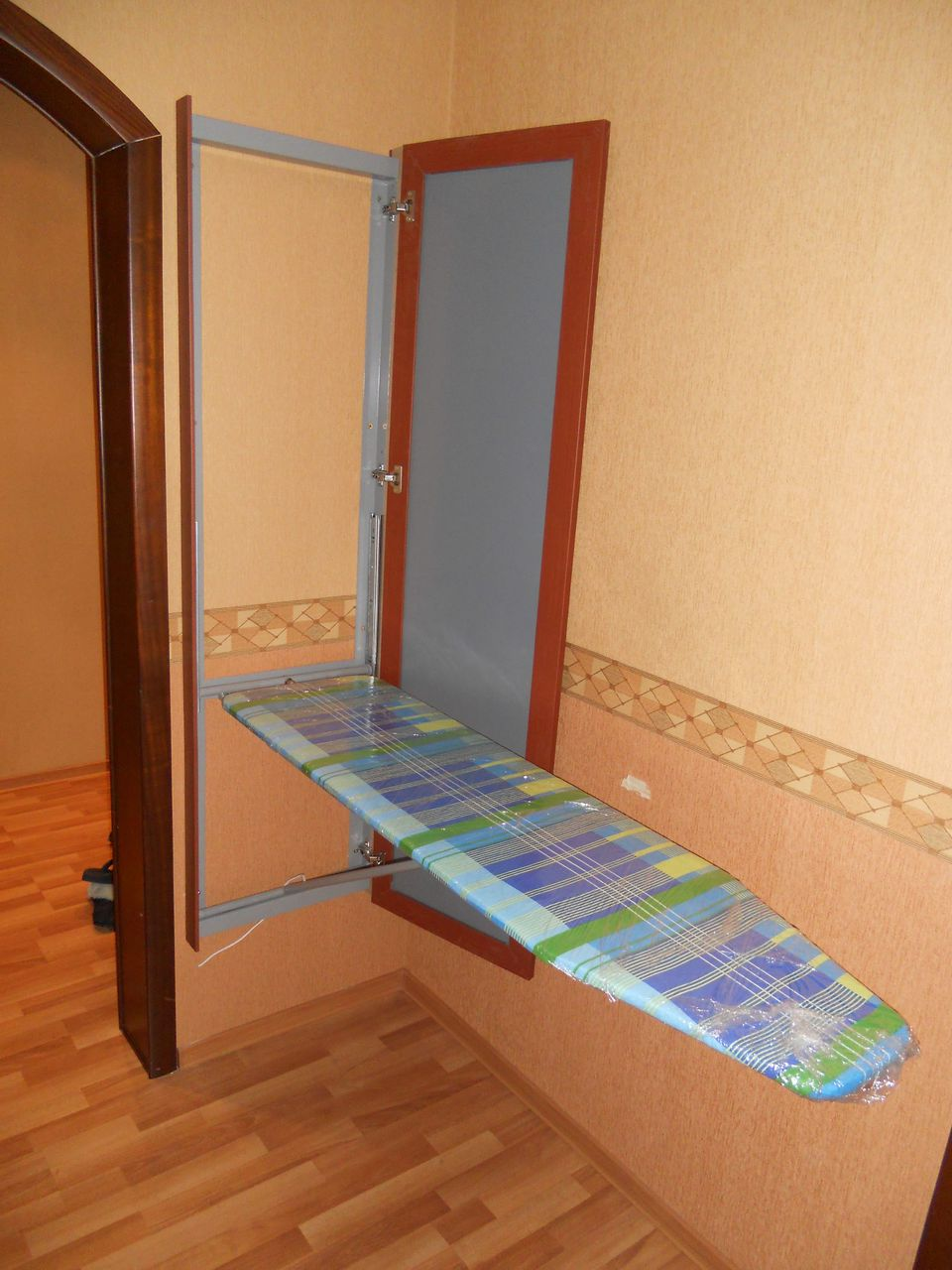 Как сделать гладильный шкаф