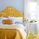 изголовье кровати оранжевое