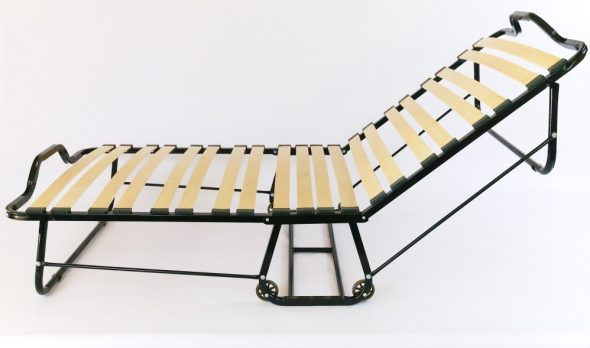 раскладная кровать с ламелями