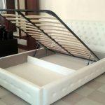 кровать с ортопедическим основанием белого цвета