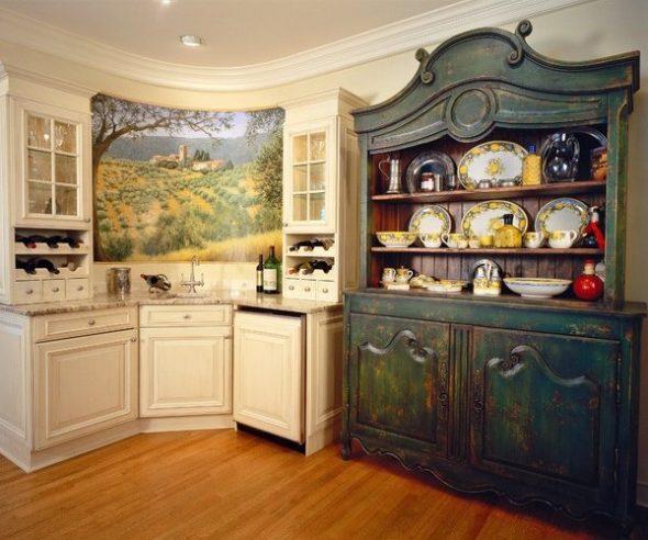старинный буфет на кухне