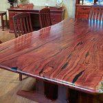 стол из спила дерева большого размера