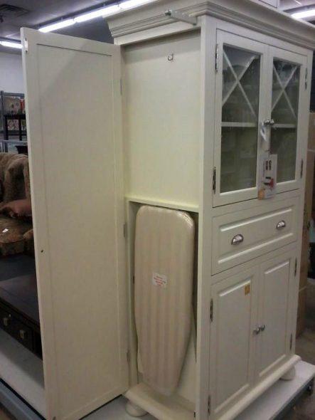 встроенная в шкаф гладильная доска
