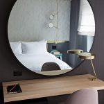 зеркало в интерьере круглое