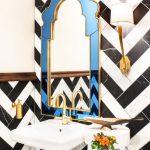 зеркало в интерьере в ванной