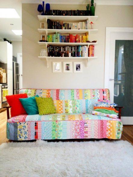 Чехол для дивана из мелких лоскутов ткани — «пэчворк»