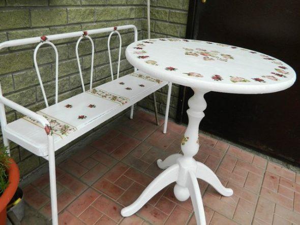 Декупаж круглого обеденного стола