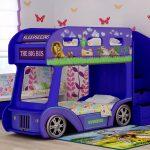 Двухъярусная кровать в виде автобуса с героями мультика