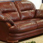Кожаный диван для дачи