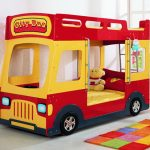 кровать машина автобус