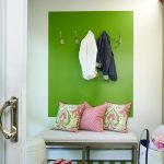 прихожая для узкого коридора зеленый цвет