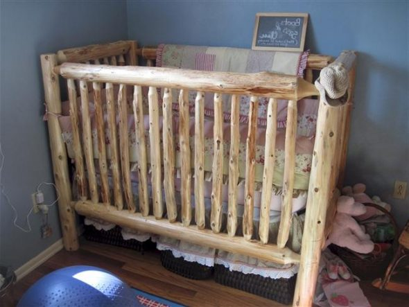 Простая детская кроватка своими руками
