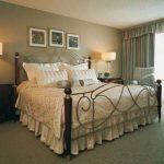 Расположение кровати и направление изголовья
