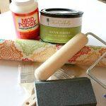 Реставрируем кухонный стол цветными обоями