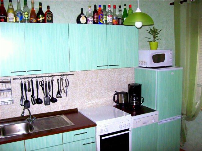 Как обклеить кухонный гарнитур самоклеющей пленкой и