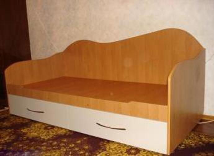 Сделал детскую кровать своими руками