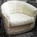 вязаный чехол на кресло