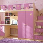 детская кровать-чердак розового цвета