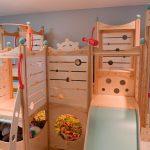детская кровать с горкой и лестницей