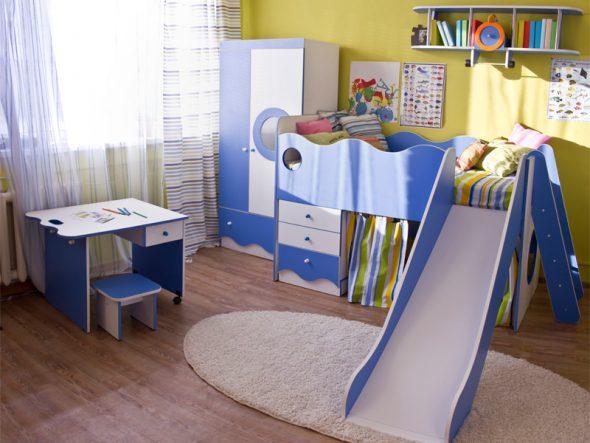детская кровать с горкой и ящиками