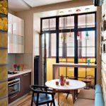 диван на кухне французской