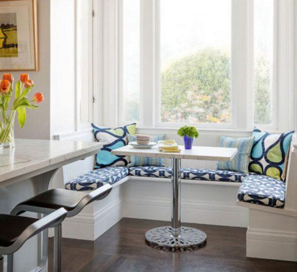 диван буквой П на кухне