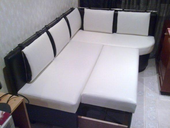 раскладной диван на кухне