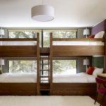 двухъярусная кровать четыре у окна