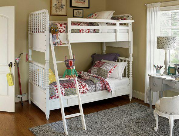 кровать в эко стиле
