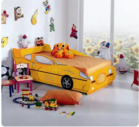 кровать машина желтая