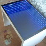 стол с эффектом бесконечности белый
