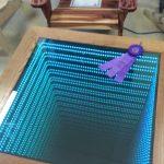 стол с эффектом бесконечности оригинал