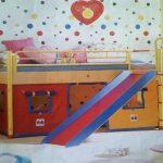 украсит детскую кровать