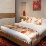 встроенный шкаф купе в спальне современный стиль
