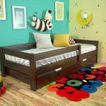 кровать из дерева для детей