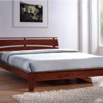 Двуспальная кровать Шарлотта из натурального дерева