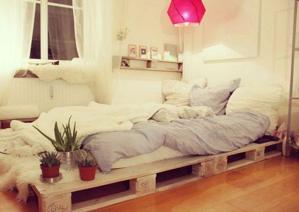 кровать из паллетов